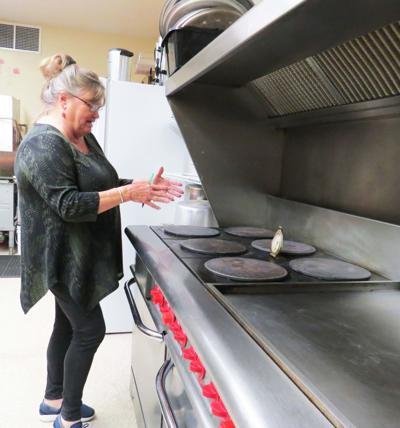 Warming center in need of volunteers, supplies