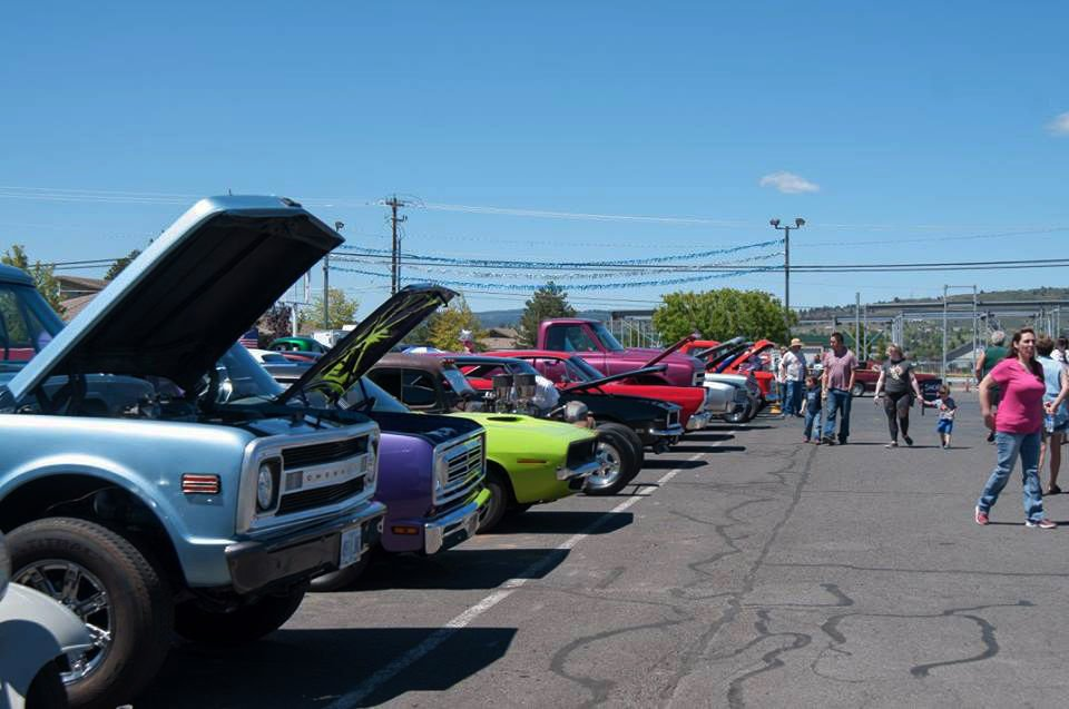 Classic Car Show For A Caring Cause Limelighter