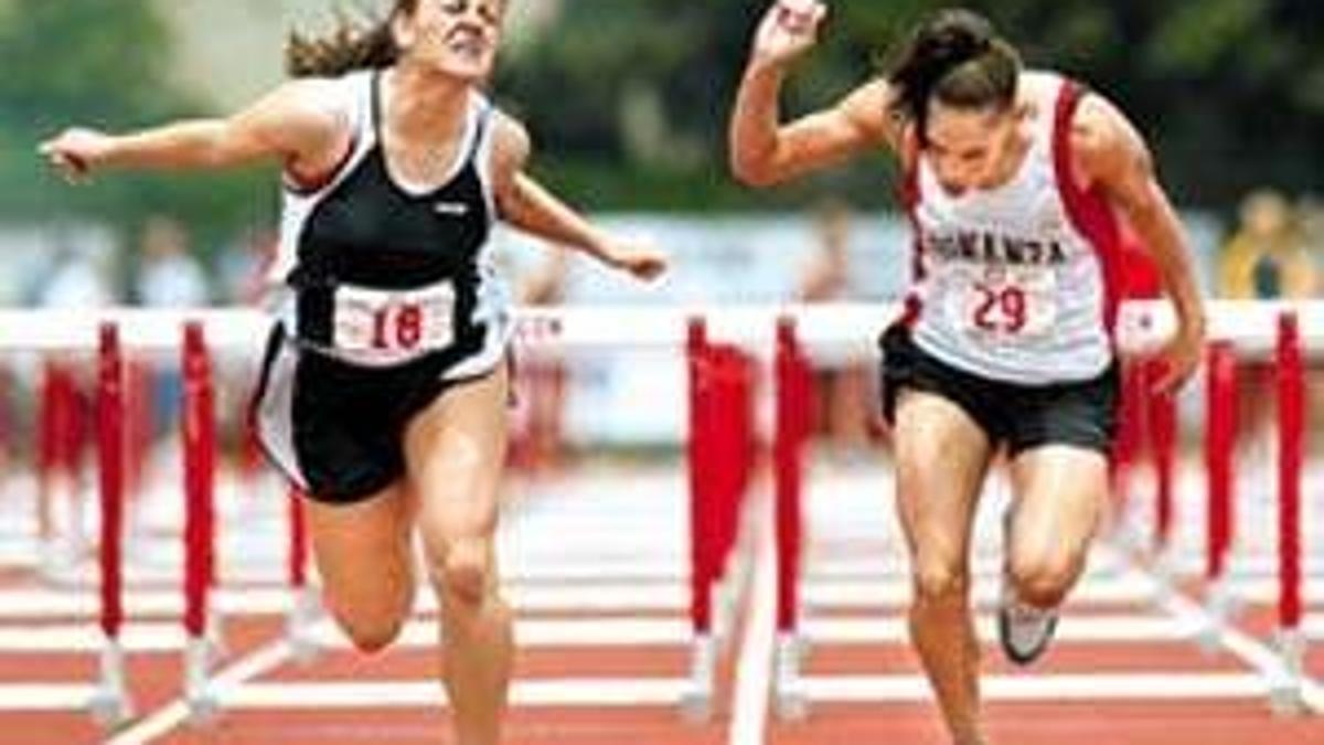 Bennett Wins State Hurdles Crown Bonanza Girls Third Sports Heraldandnews Com
