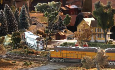 Christmas Model Railway.Christmas Train Show Opens Saturday At The Museum
