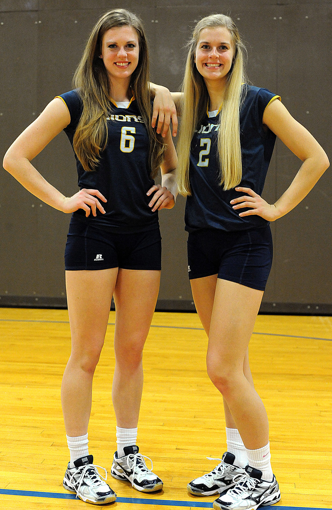 unbelievable  twin volleyball players carry on wacker