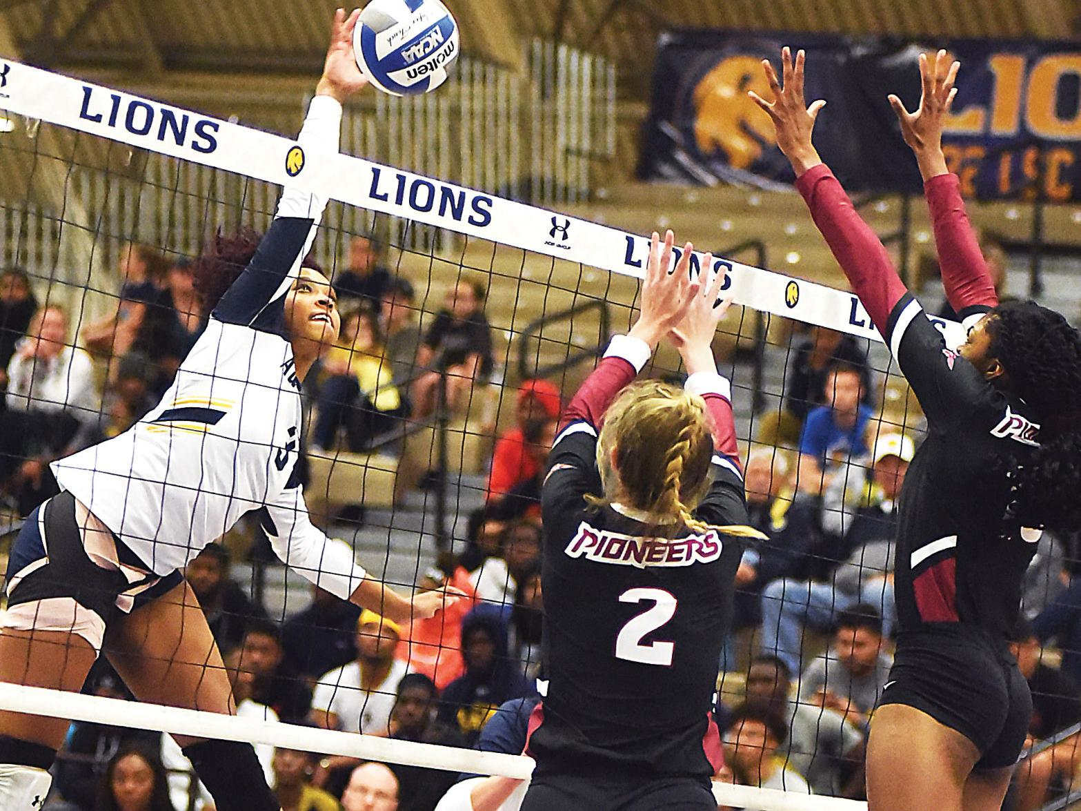 Lsc Volleyball No 9 Seed Texas Woman S Upsets No 1 A M Commerce Sports Heraldbanner Com