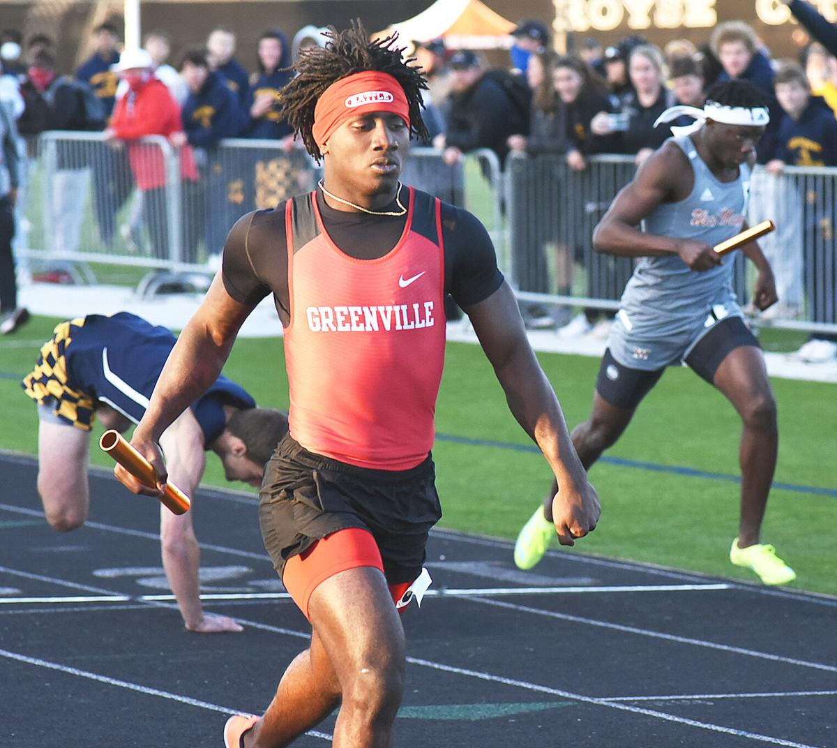 Miles Denson anchors 4x200 relay to victory