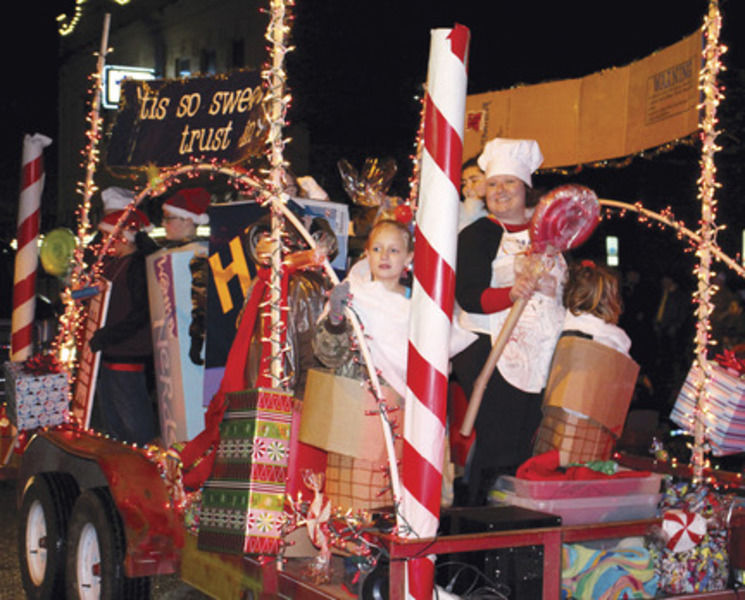 float ing in parade - Christmas Car Parade Decorations