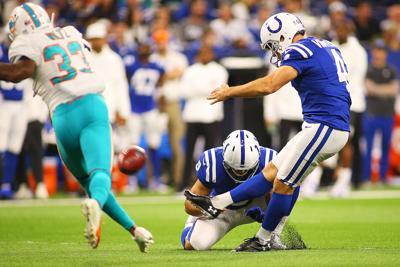 Colts Stand Behind Struggling Veteran Vinatieri Sports