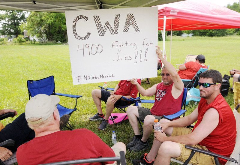 CWA Local 4900 workers strike against AT&T