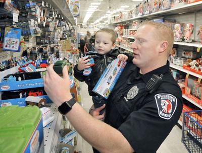 Fraternal Order of Police brings Christmas cheer