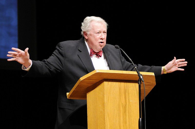 Edwards makes final chapel appearance