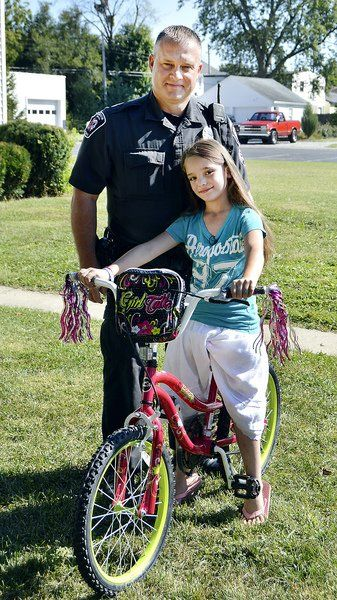 Officer replaces young girl's stolen bike