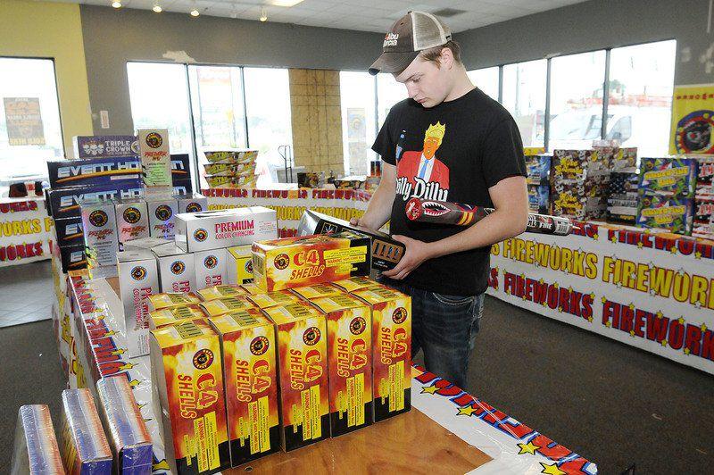 Short lifespan for pop-up fireworks shops