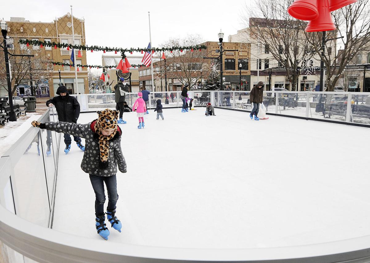 Free Skating Returns To Downtown Anderson Local News Heraldbulletin Com