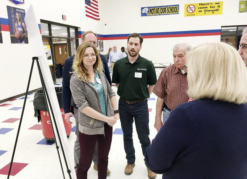 Opponents outnumber supporters at solar farm meeting