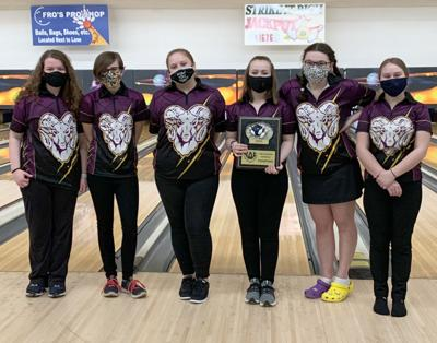 SH girls bowling team photo