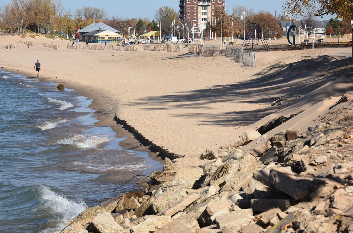 201107-HP-beach-erosion1-photo.jpg