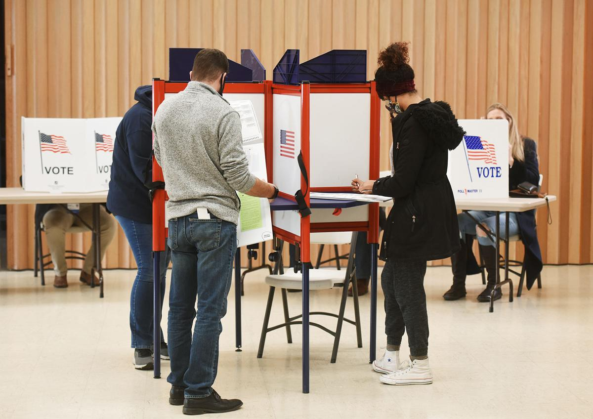 201104-HP-election-voting2-photo.jpg