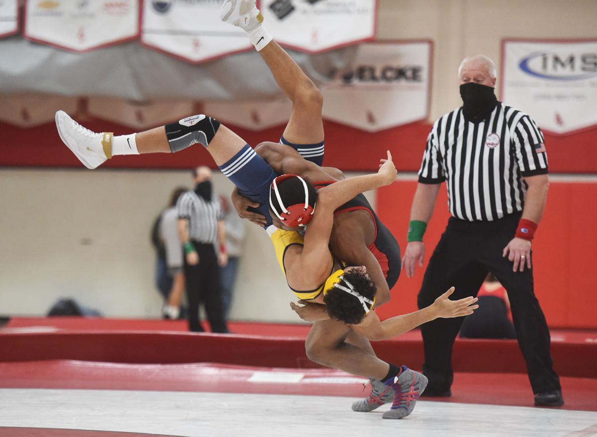 210218-HP-lake-sj-wrestle-152-pound1888-photo.jpg