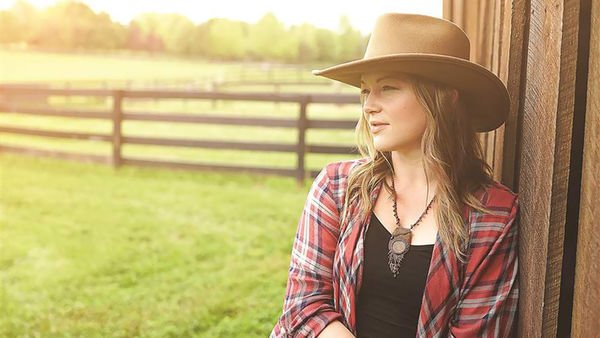 Crystal Bowersox grateful to be 'Alive' and well