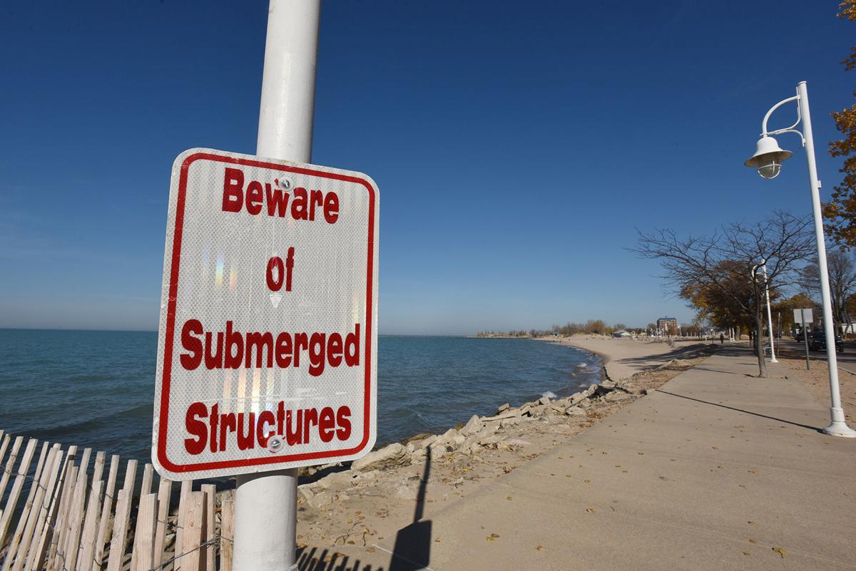 201107-HP-beach-erosion2-photo.jpg