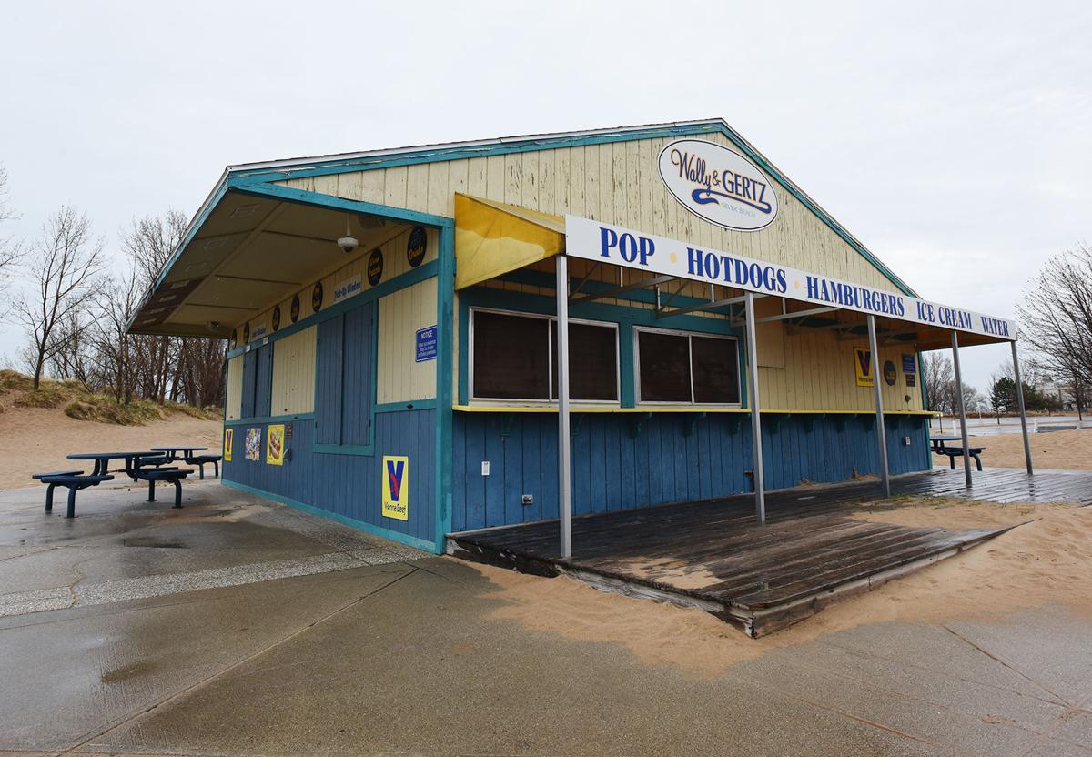 210409-HP-silver-beach-concessions2-photo.jpg