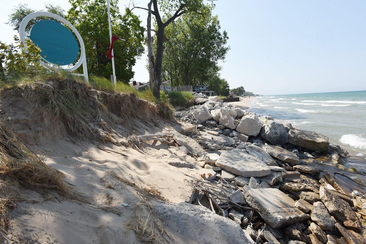 200828-HP-silver-beach-erosion2-photo.jpg
