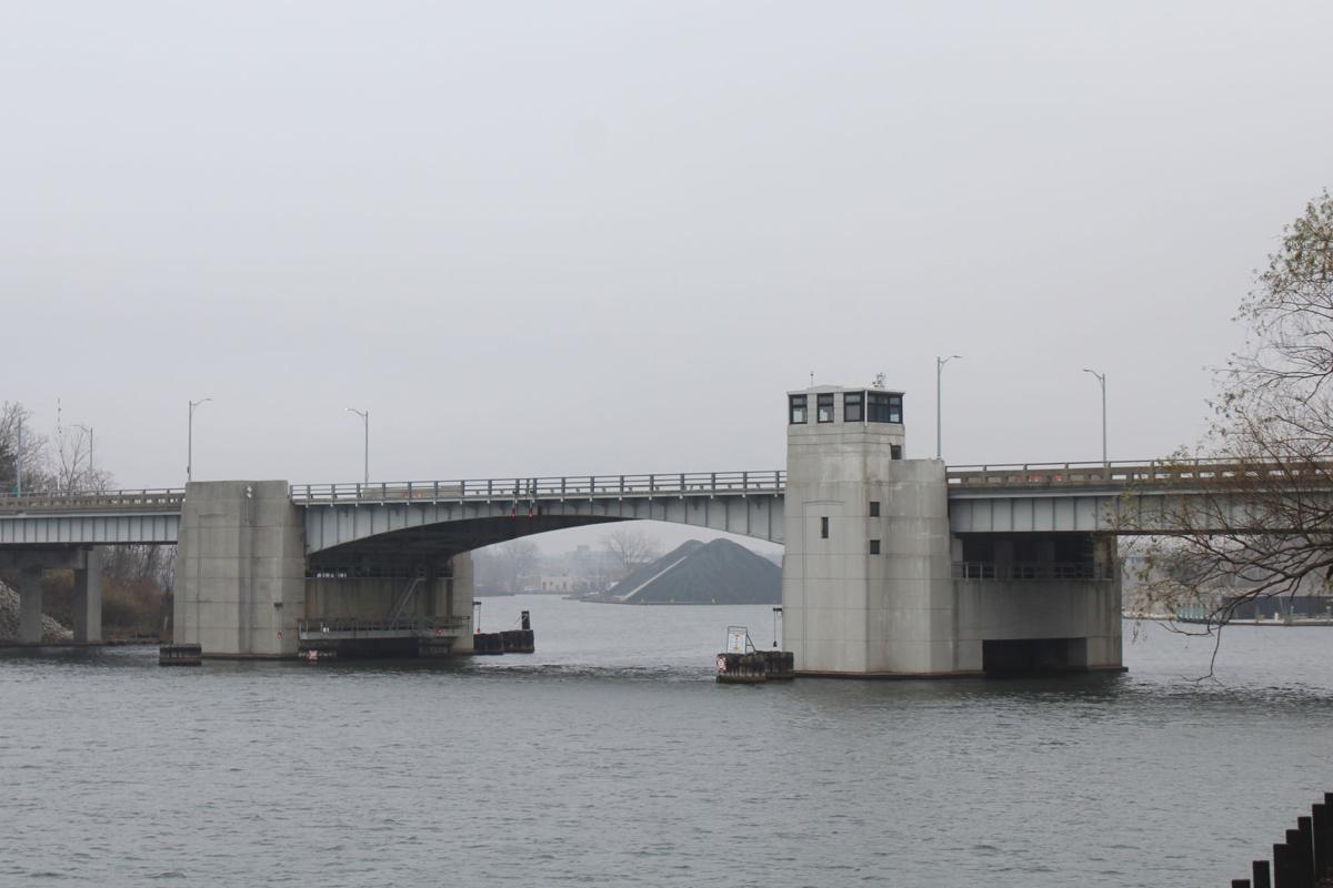 11-28 Blossomland Bridge pic2.JPG