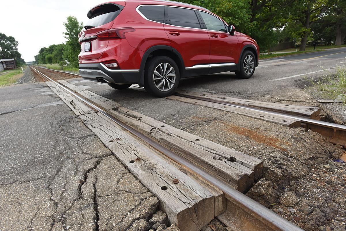 210716-HP-railroad-crossing2-photo.jpg