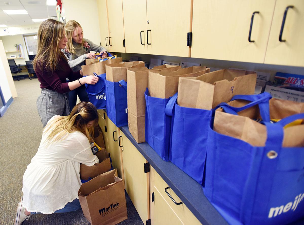 200208-HP-weekend food program1-photo.jpg