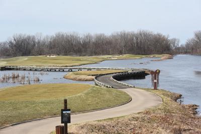 200325-HP-harbor shores 18th hole