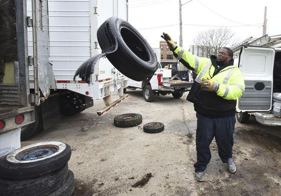 Benton Harbor rallies to clean up tires