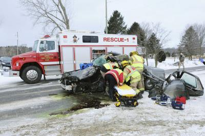 Two killed in crashes on icy I-94 | Local News