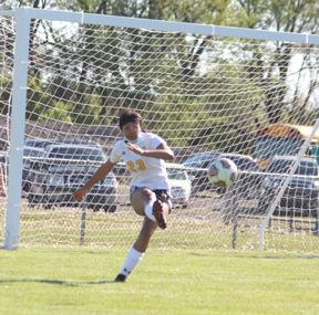 SH soccer Faith Lewis
