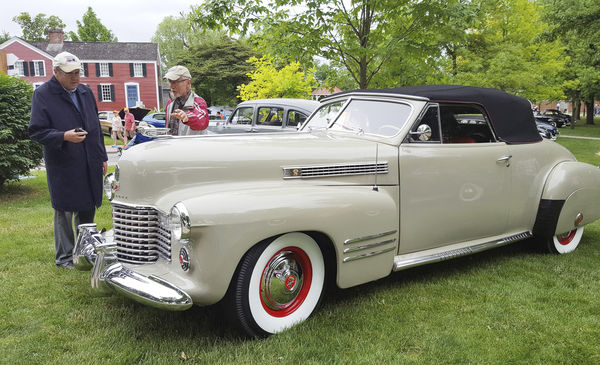 Two great car show traditions continue