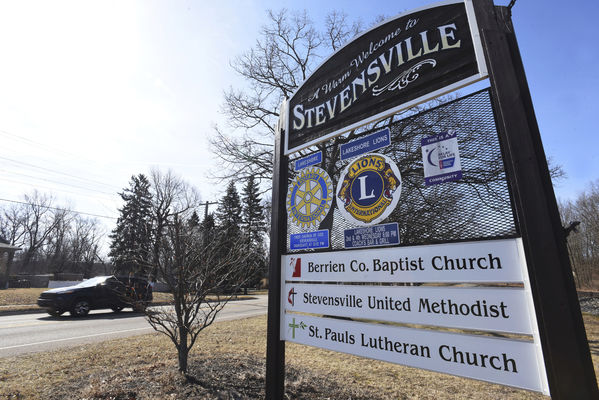 Stevensville to again examine whether it should become a city