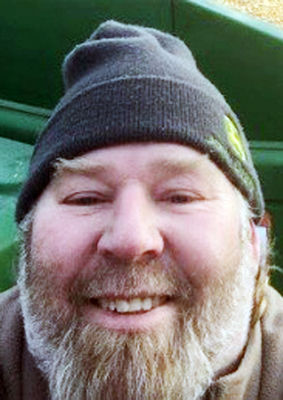 Eau Claire farmer dies from EEE