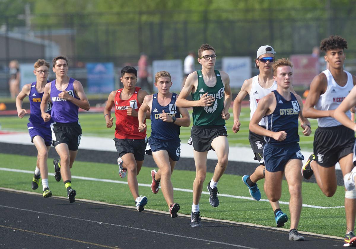 210522-HP-bsprings-boys-1600-meter-run8240-photo.jpg