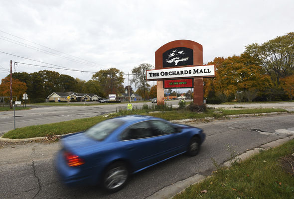 Signal near Orchards Mall removed