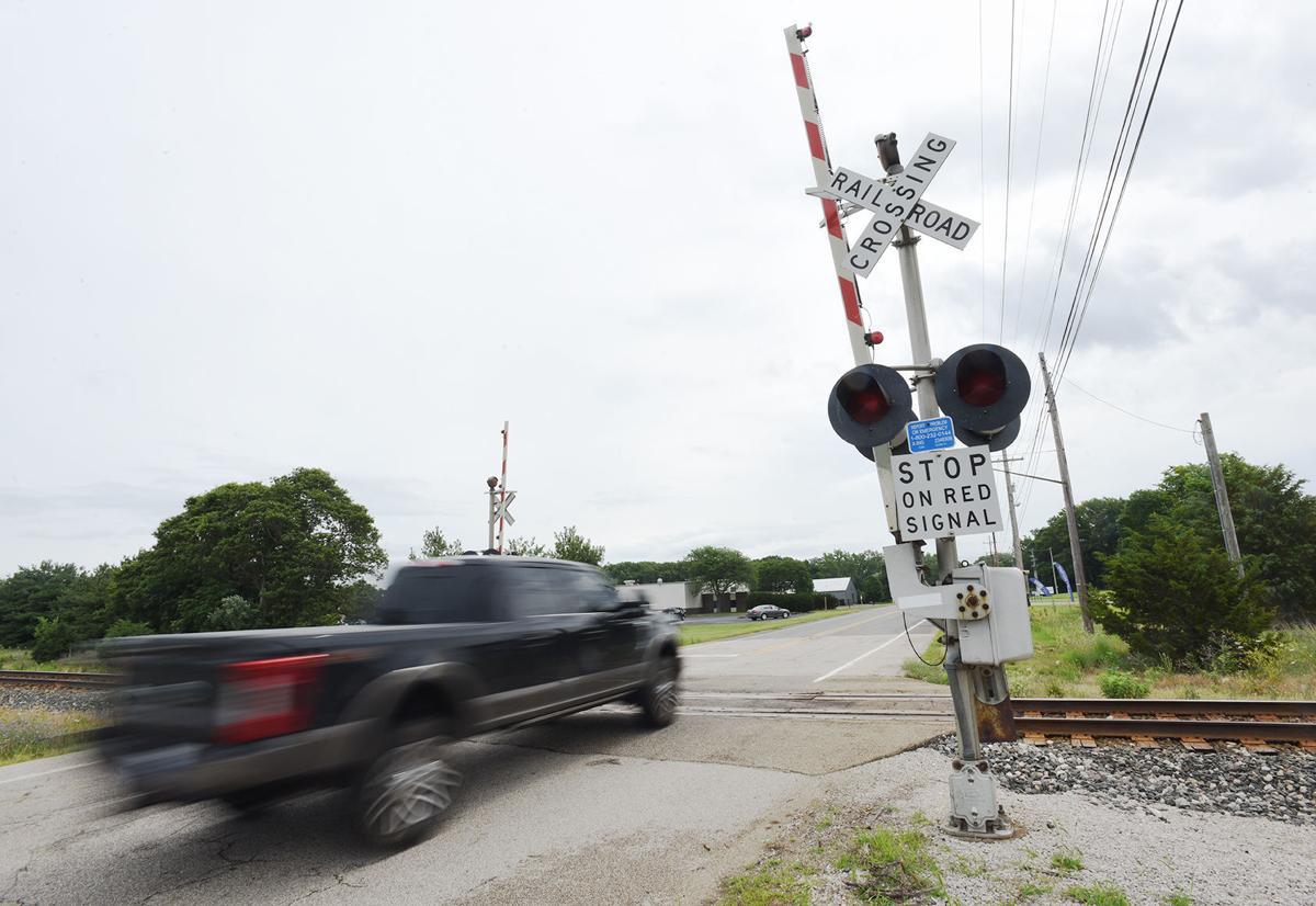 210716-HP-railroad-crossing1-photo.jpg