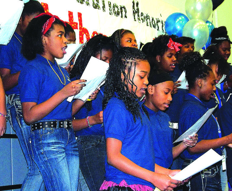 benton harbor girls Latest local news for benton harbor, mi : benton harbor, michigan is located in berrien countyzip codes in benton harbor, mi include 49023, and 49022.