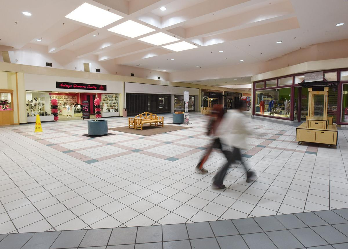 210311-HP-orchards-mall2-photo.jpg