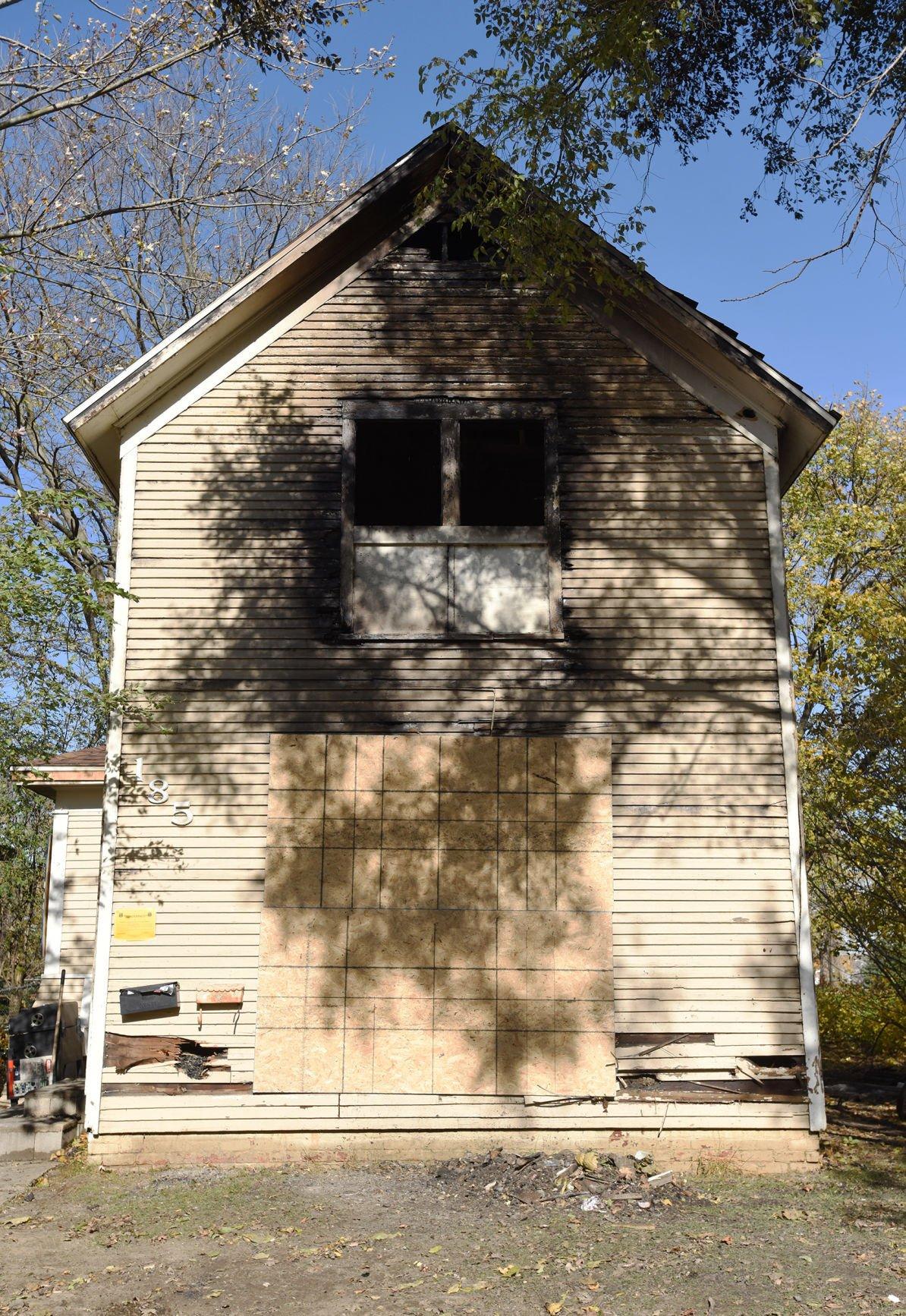 201103-HP-bh-fatal-fire2-photo.jpg