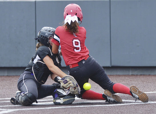 20149f4183ab Holland s heroics. Lakeshore s Becca Spenner crashes into Three Rivers ...