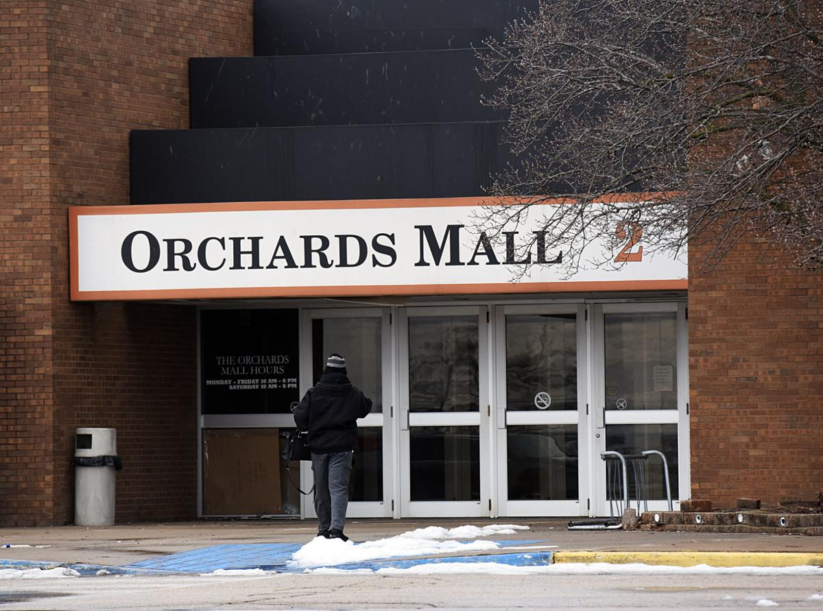 200128-HP-orchards-mall2-photo