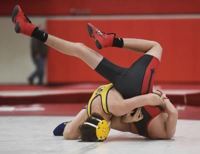 210218-HP-lake-sj-wrestle-112-pound1657-photo.jpg