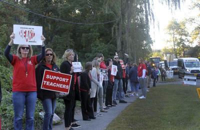 Teachers to vote on new contract