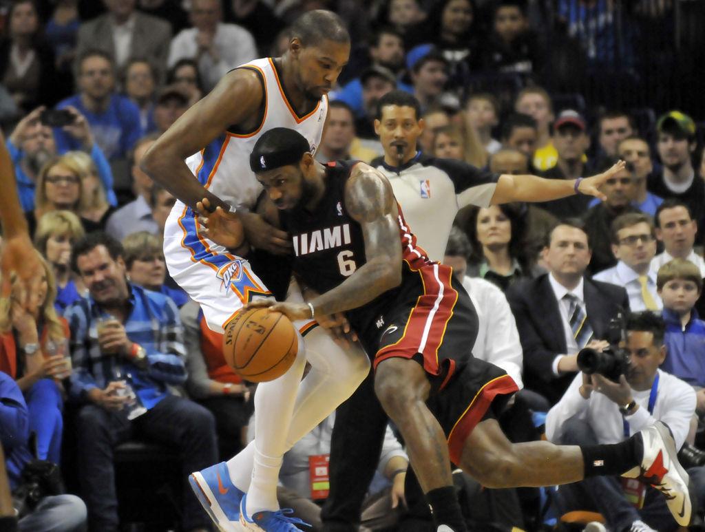 NBA: Team jumping