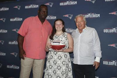 Patriots give local girl $10,000 to help people in hospitals