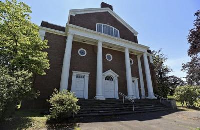 College plans to raze, replace Denworth Hall