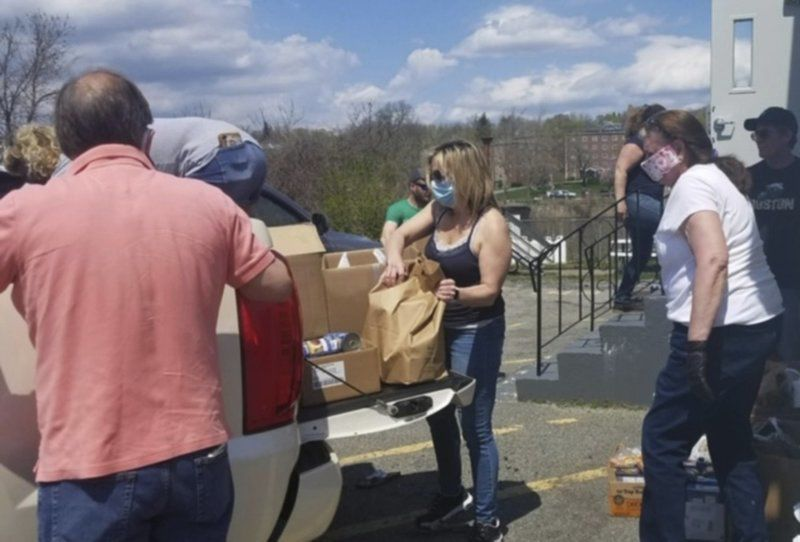 Crescent Yacht Club food drive a success