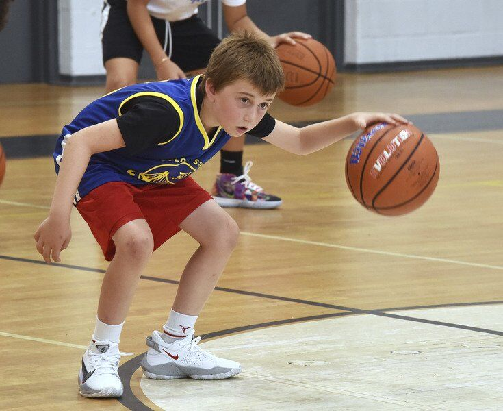 Future Hillies shoot some hoops at clinic