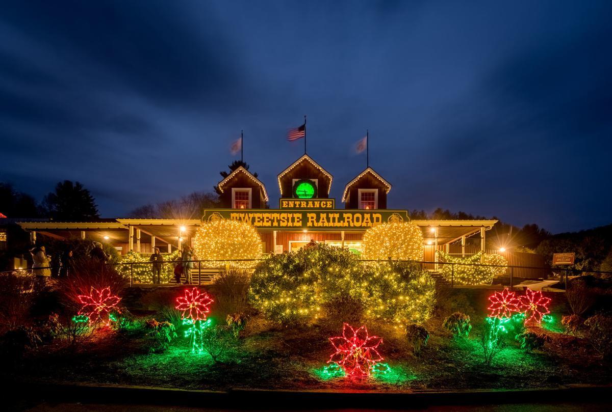 Tweetsie Christmas entrance